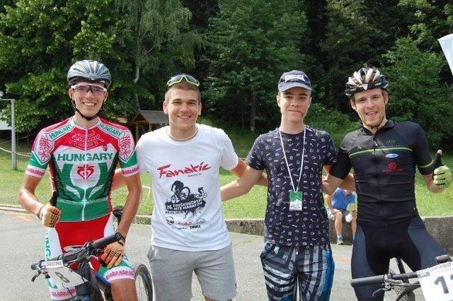 Damjan i Filip sa Sampionima Biciklizam